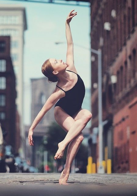 Dancers against city backdrops by Omar Robles (Dumbo, Brooklyn, NYC)