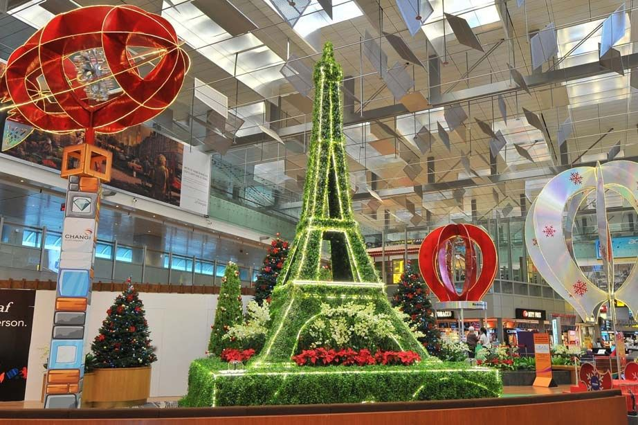 Christmas decoration Changhi airport Eiffel tower christmas lights
