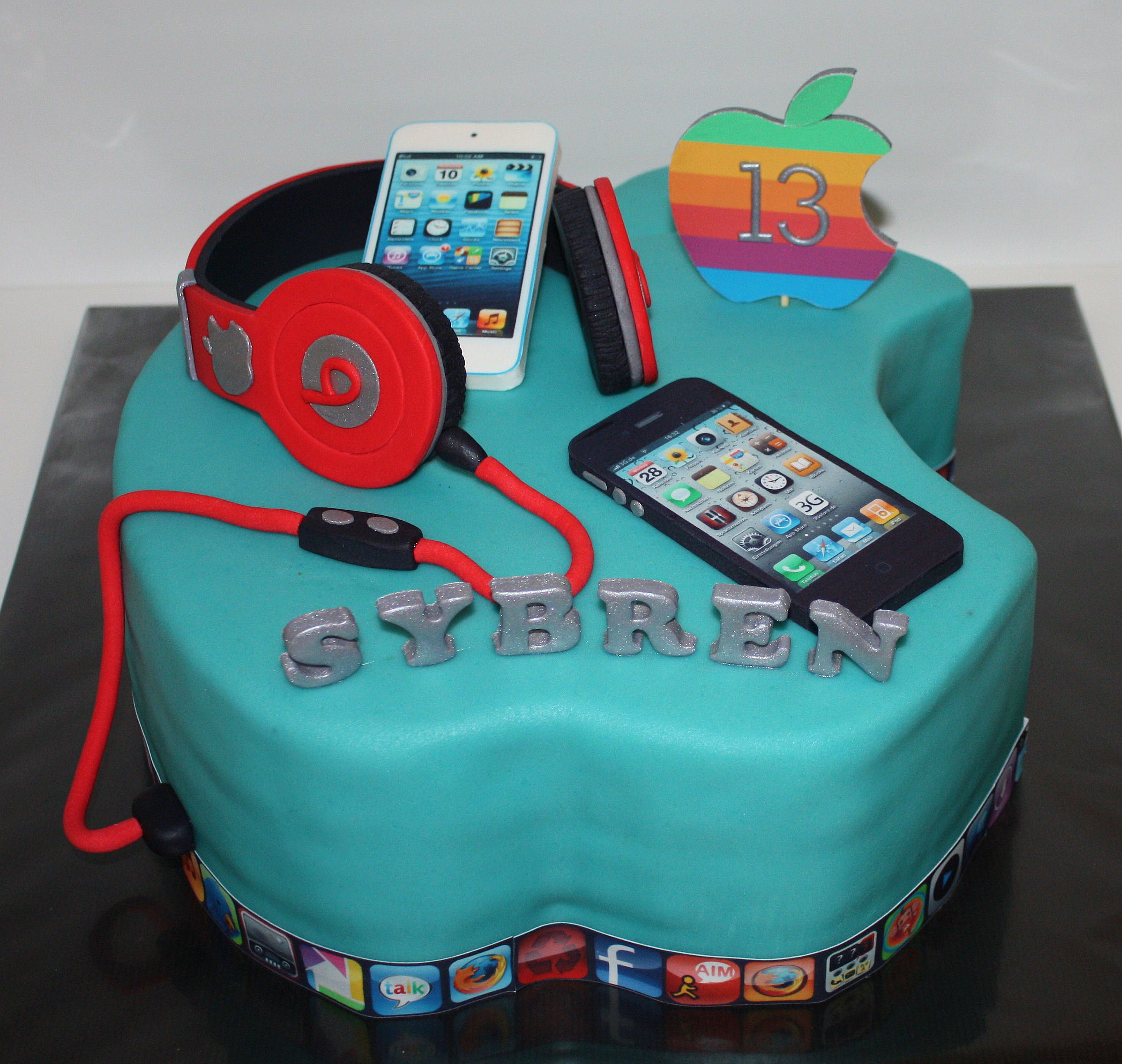 Apple Beats Iphone Ipod 3d Cake