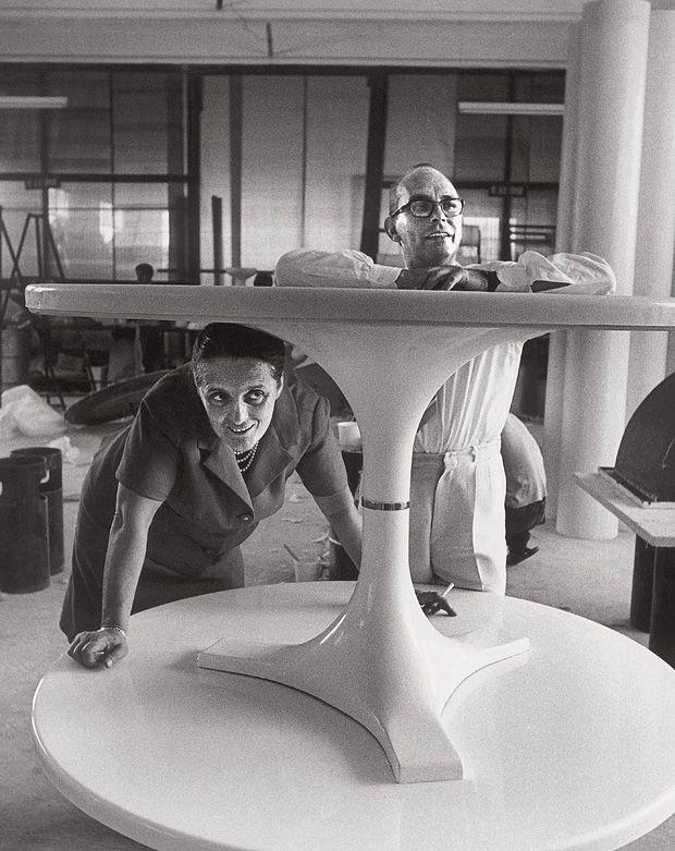 futuristisches möbeldesign stühle kunststoffmöbeldesigner kartell wird 65 markendesigninneneinrichtung möbeldesignarchitekturdesignfuturistisches kunststoff einrichtung