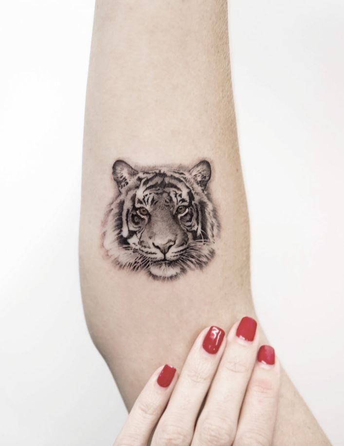 48 Amazing Tattoos By Dragon Tiger Tattoo Small Small Tattoos Pattern Tattoo