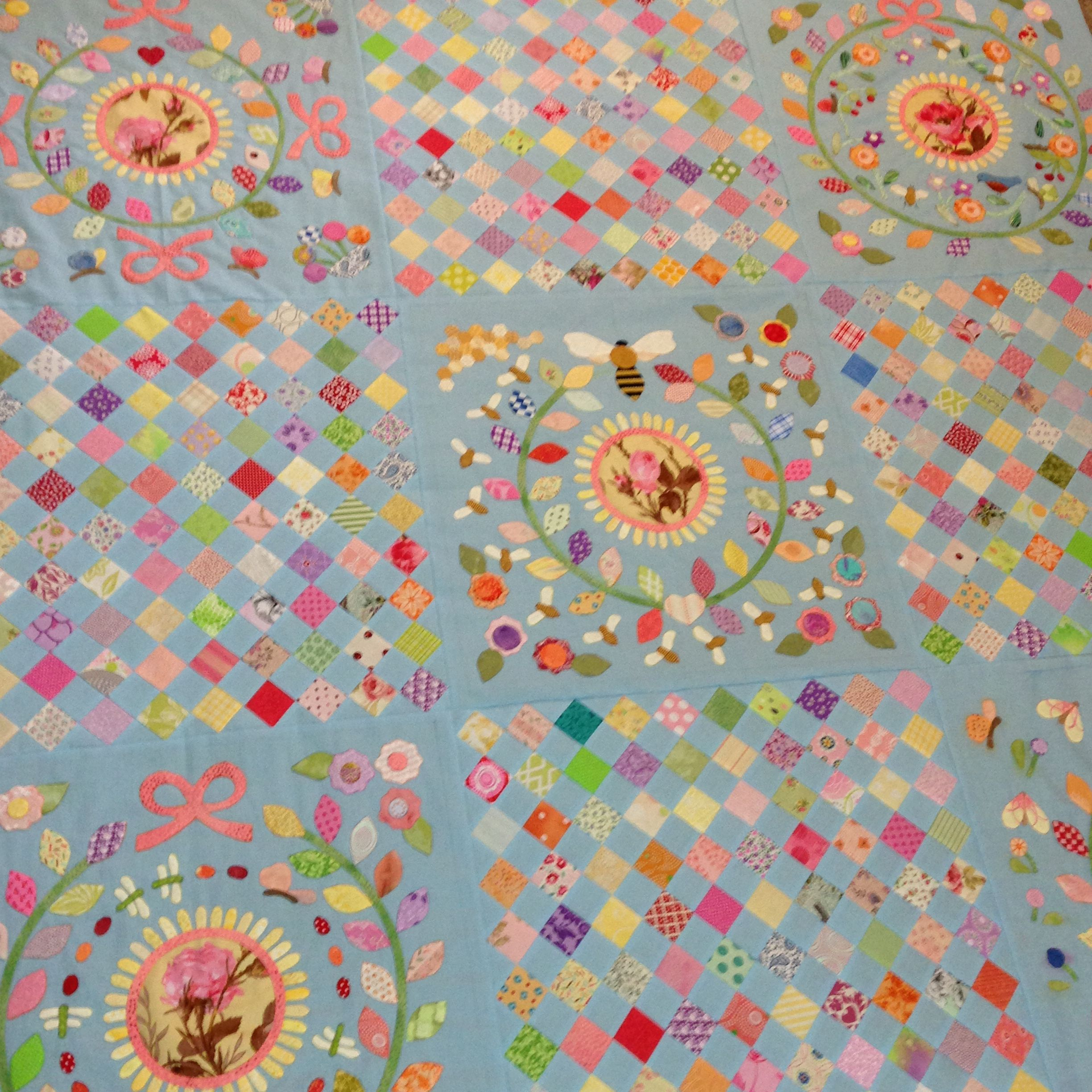 Rowdy Flat Library Quilt center done | Rowdy Flat Library Quilt and ...