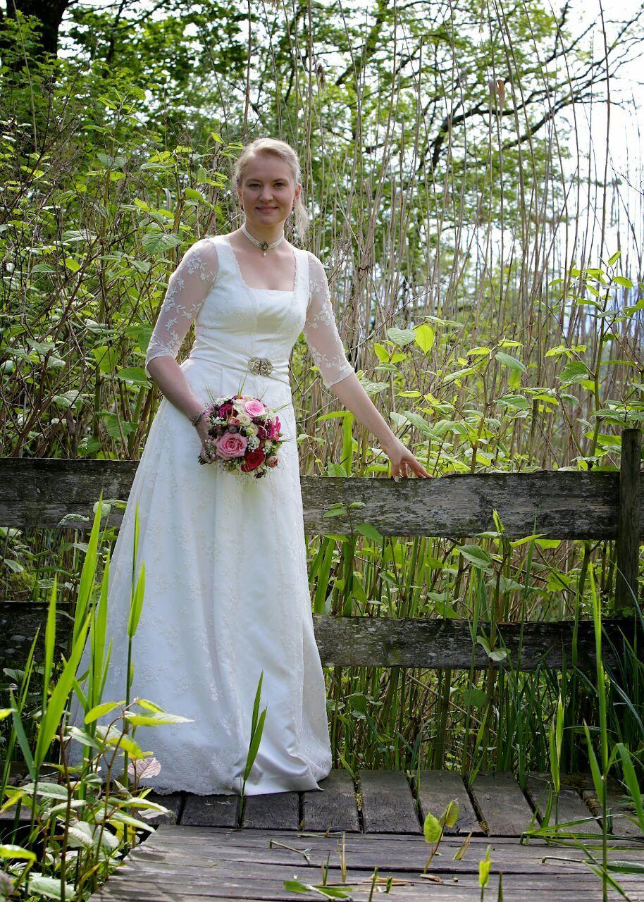 Braut in Tracht  Chiemgau Trachten Bad Endorf brautkleid braut hochzeit trachtenhochzeit