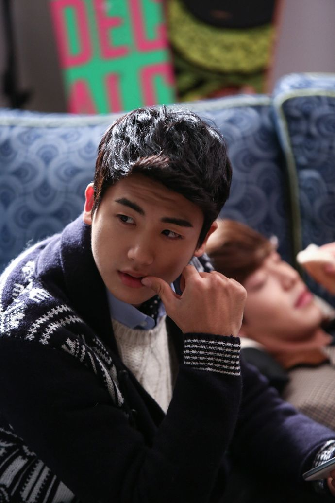 """""""Heirs"""": The Cast Makes Memories Behind The Scenes 