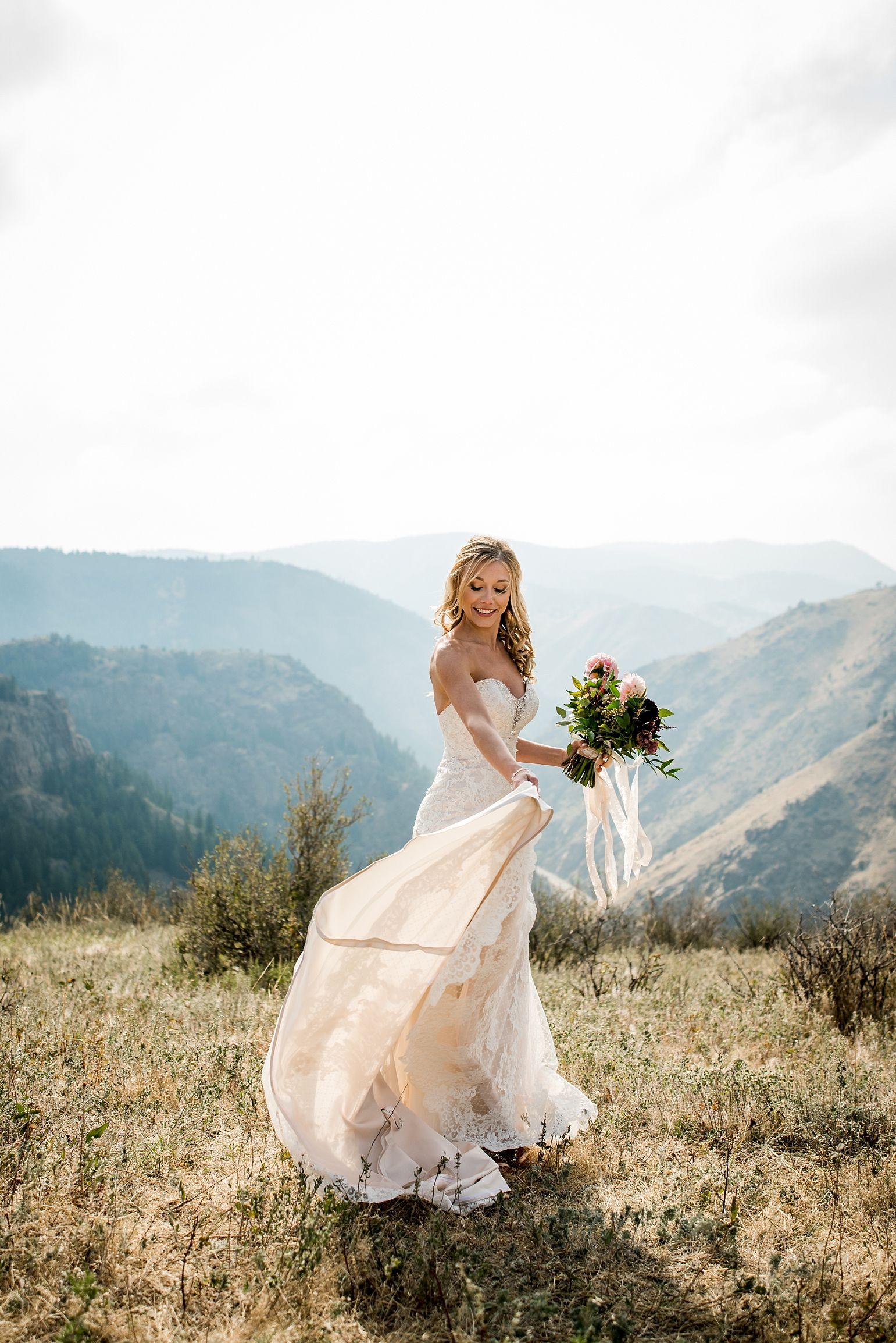 wedding photos at lookout mountain Colorado wedding