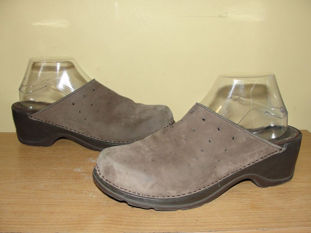 62b065ee5481 Modellista Women s Shoes Brown Nubuck Leather Slip On Clogs Slides Size 9M   Modellista  Clogs  Casual