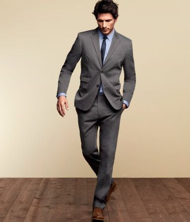 Grey tuxedos are stylish and popular among grooms and groomsmen ...