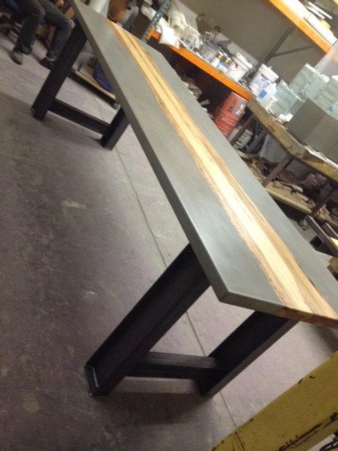 nach ma beton holz und metall tabellen zu bestellen. Black Bedroom Furniture Sets. Home Design Ideas