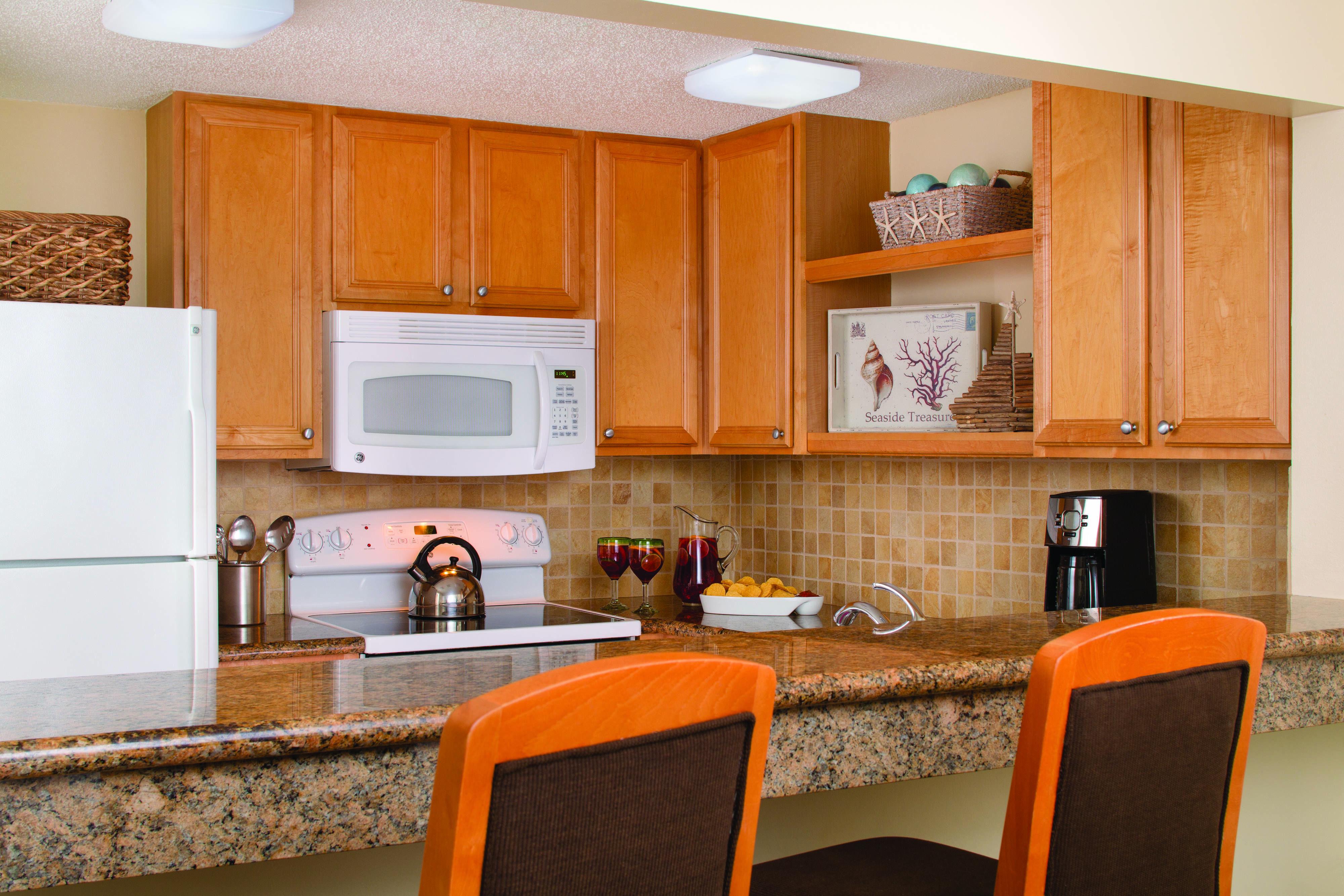Marriott S Monarch At Sea Pines Villa Kitchen Traveling Guestbathroom Suite Kitchen Cabinets Kitchen Home Decor