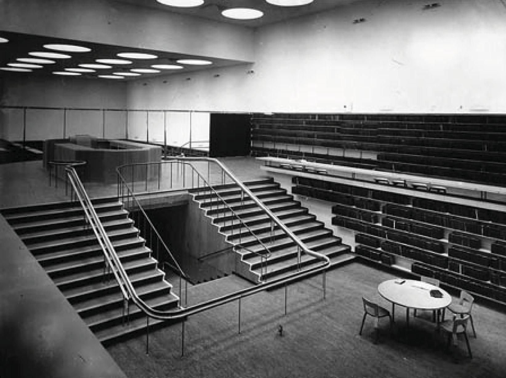 Alvar aalto reading room municipal library viipuri for Architecture 1930