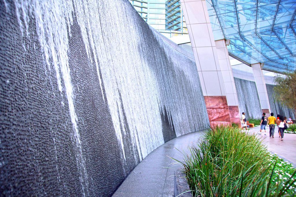 Waterfall At Aria Resort Casino Citycenter Las Vegas Nevada Casino Resort Water Walls Waterfall