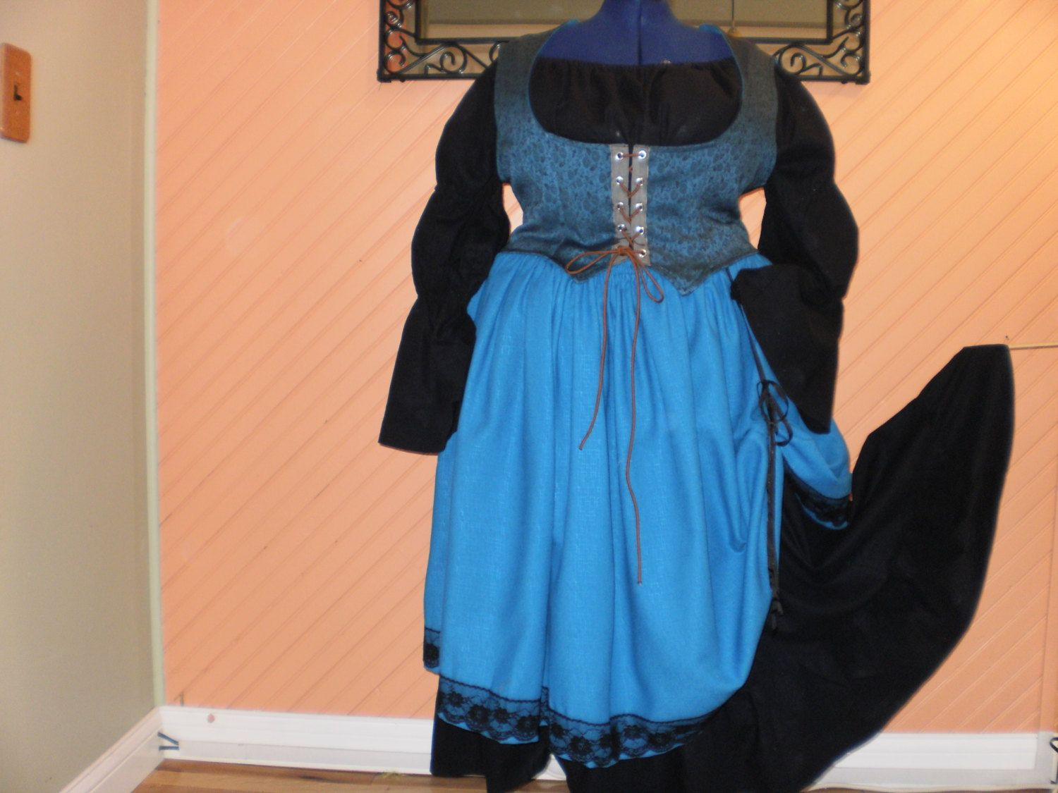 Women's Plus 3X 2628  Renaissance Fair or by Collectivelee on Etsy, $109.00