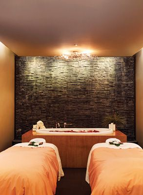 Vancouver S Best Spas This Reminds Me Of A Spa I Use To Go To In Guam My Goodness I Miss Those Luxury Spa Best Spa Spa Design