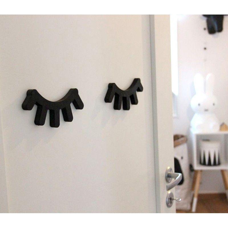 kinderzimmer dekoration 2er set sleepy eyes schwarz aus holz handmade in schweden von