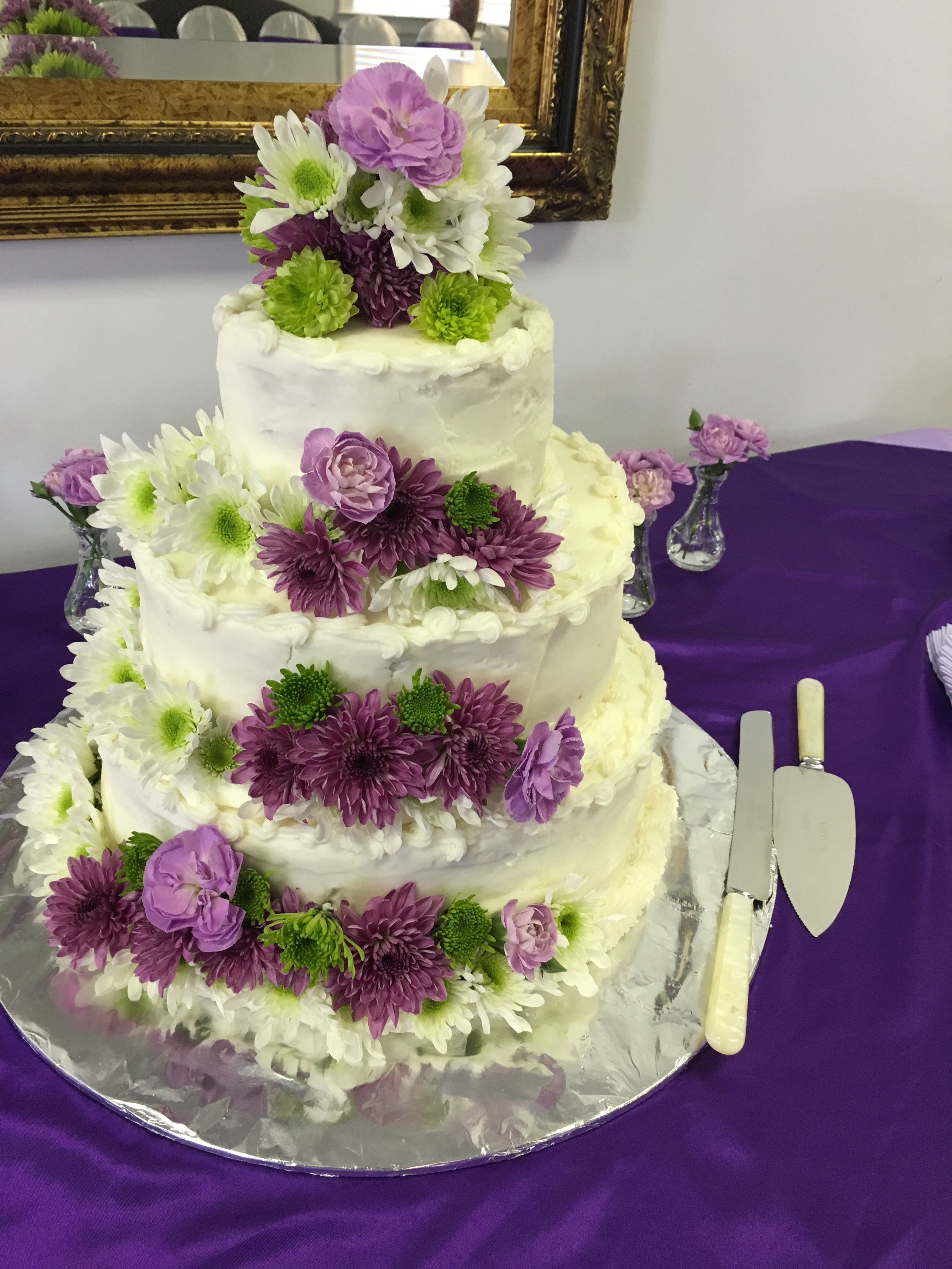 Wedding cake for daughterus reception the taste is wonderful