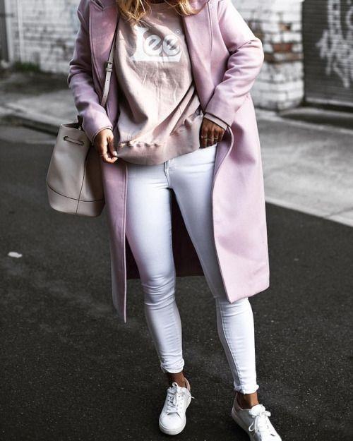 See Want Shop blogger Lisa Hamilton | Pink Lee Jumper, White jeans |