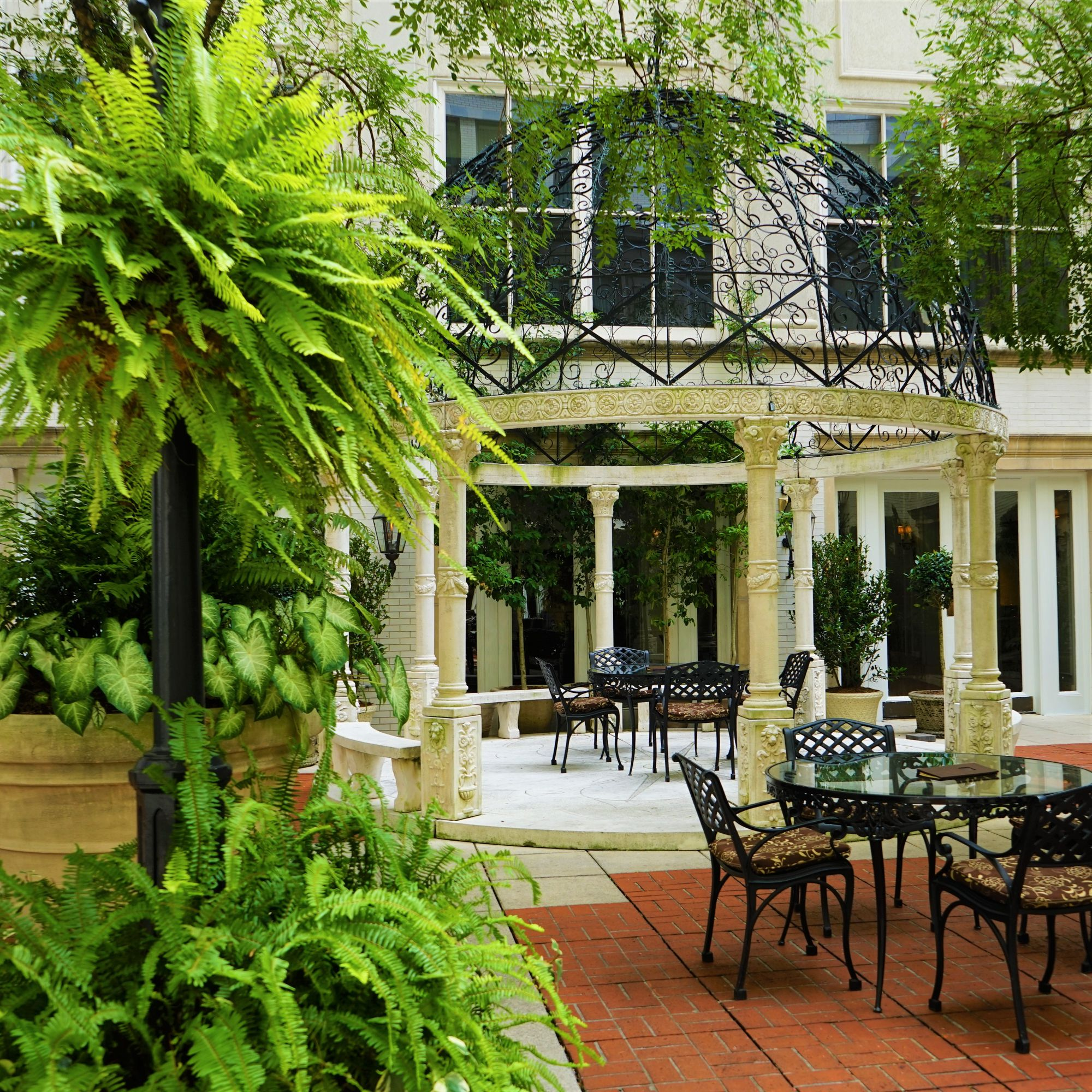 Our Landscaping Services New Orleans Metairie La Tpg The Plant Gallery Courtyard Landscaping Courtyard Garden Courtyard