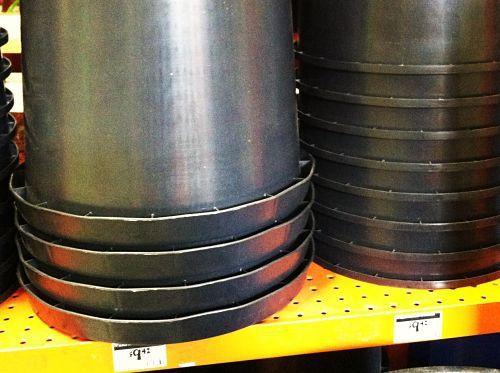Tiestos gratis black pots home depot