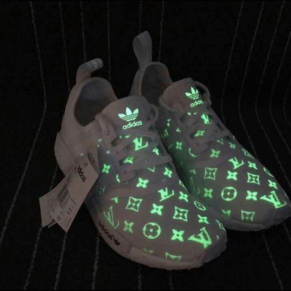 premium selection 03e13 c2dda Shop Women's Louis Vuitton White Green size 8 Sneakers at a ...