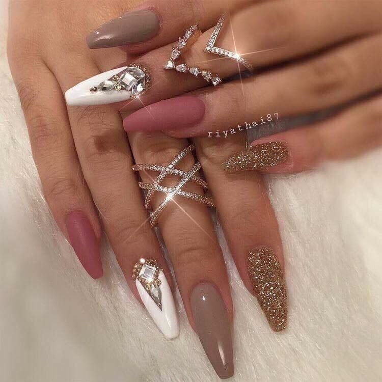 Winter nail designs are the best way to start the winter season properly!  Acrylic, gel or natural nails covered with polishes of different colors and  shades ... - The Rings You've Got Nail(s) Pinterest Ring, Henna Hair And