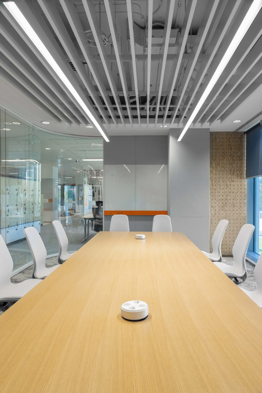 Ing Bank Ama Design In 2020 Design Office Design Home Decor
