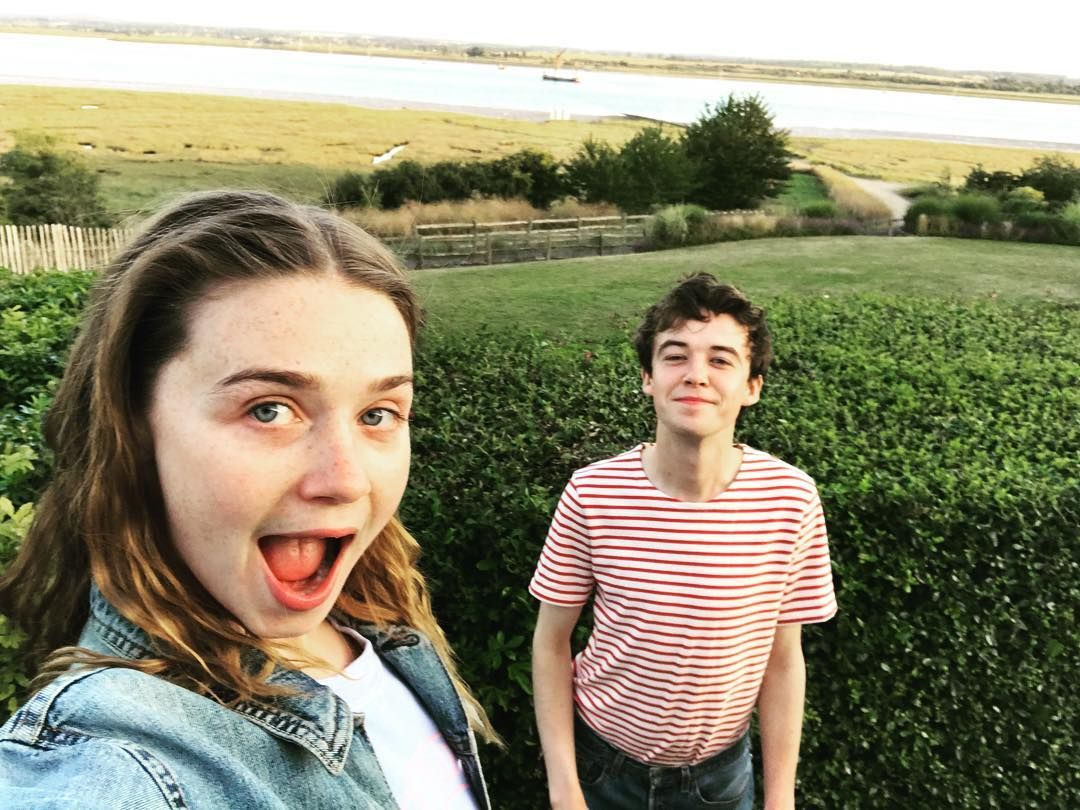 """19 F***ing Photos Of The """"End Of The F***ing World"""" Cast Hanging Out"""