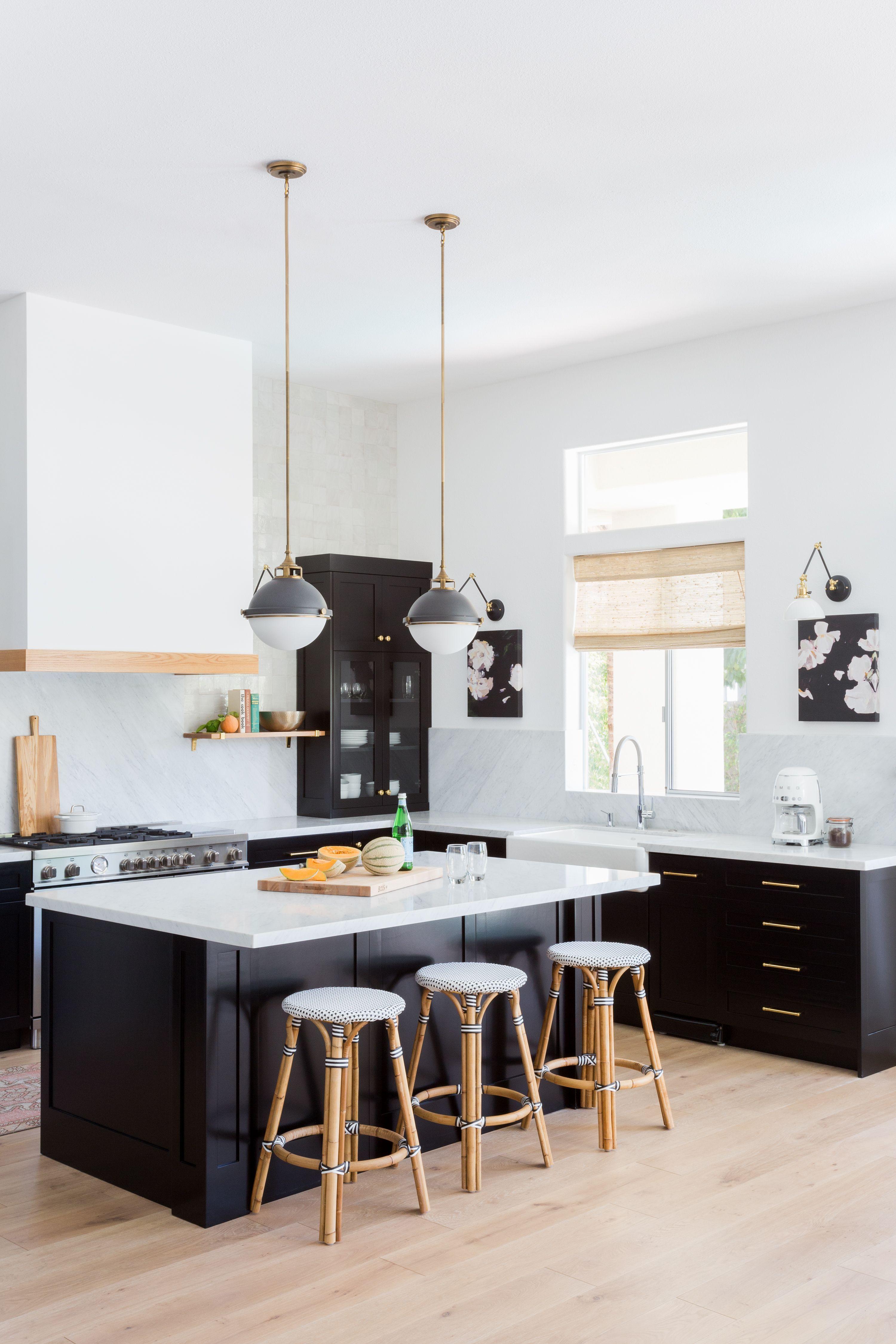 J Kurtz Design S Indian Wells California Kitchen In 2020 Painting Kitchen Cabinets Kitchen Renovation Modern Kitchen Design