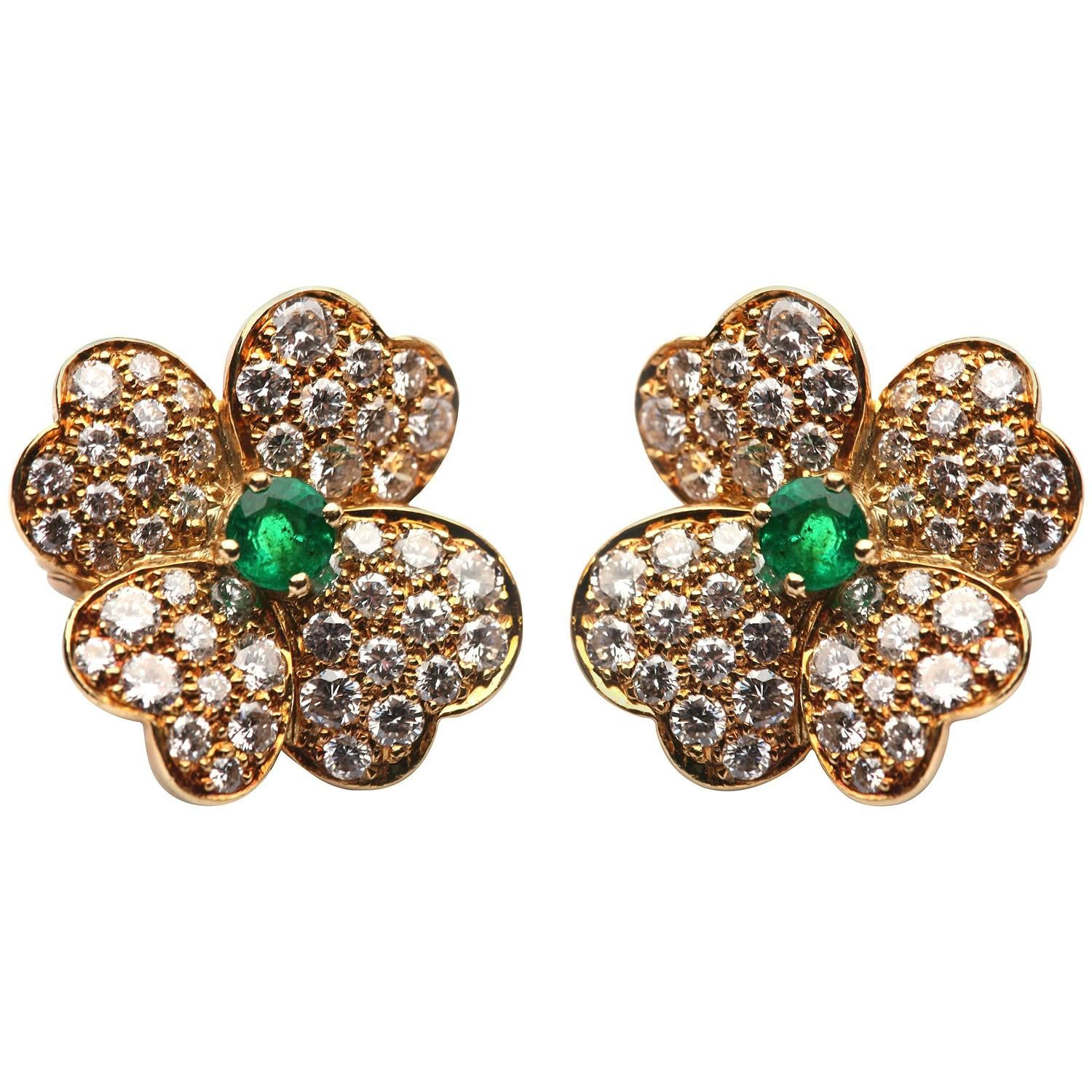 Van cleef amp arpels vca 18k yellow gold ruby cabochon amp diamond - Van Cleef Arpels Emerald Diamond Gold Flower Ear Clips 1stdibs Com