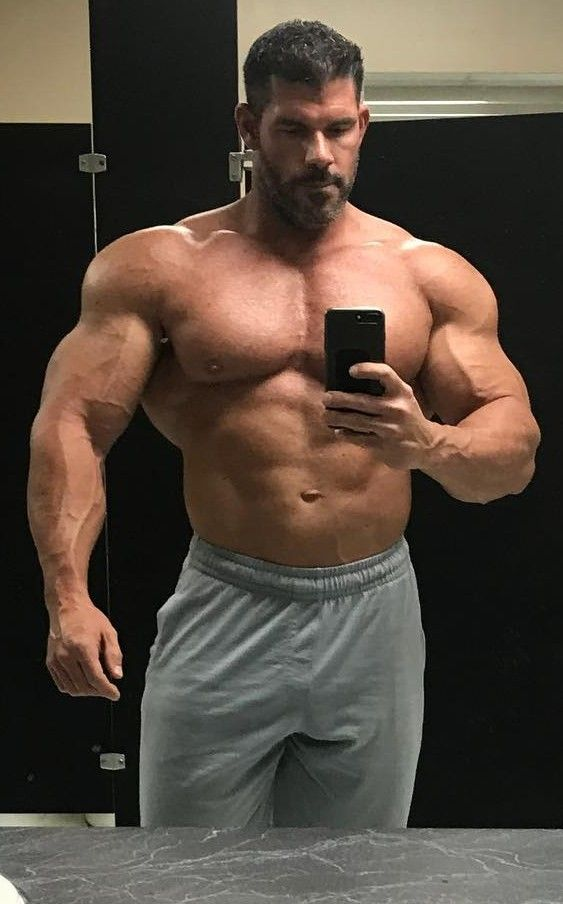 Pin by r j on Perfect male bodies in 2019 | Big muscle men ...