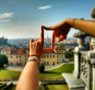 Una Gemellina molto extra e poco terrestre: HALLO...WEEENNNN...IN TURINNNNN -PIEMONT- ITALY  ...