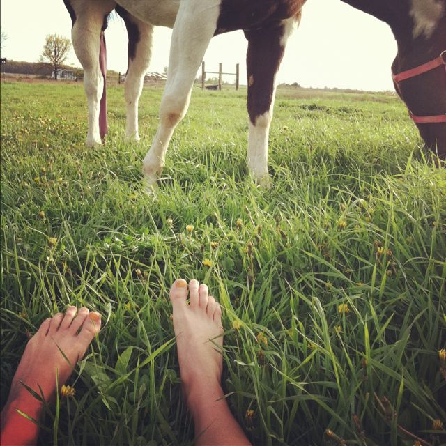 Country life and bare feet all summer <3