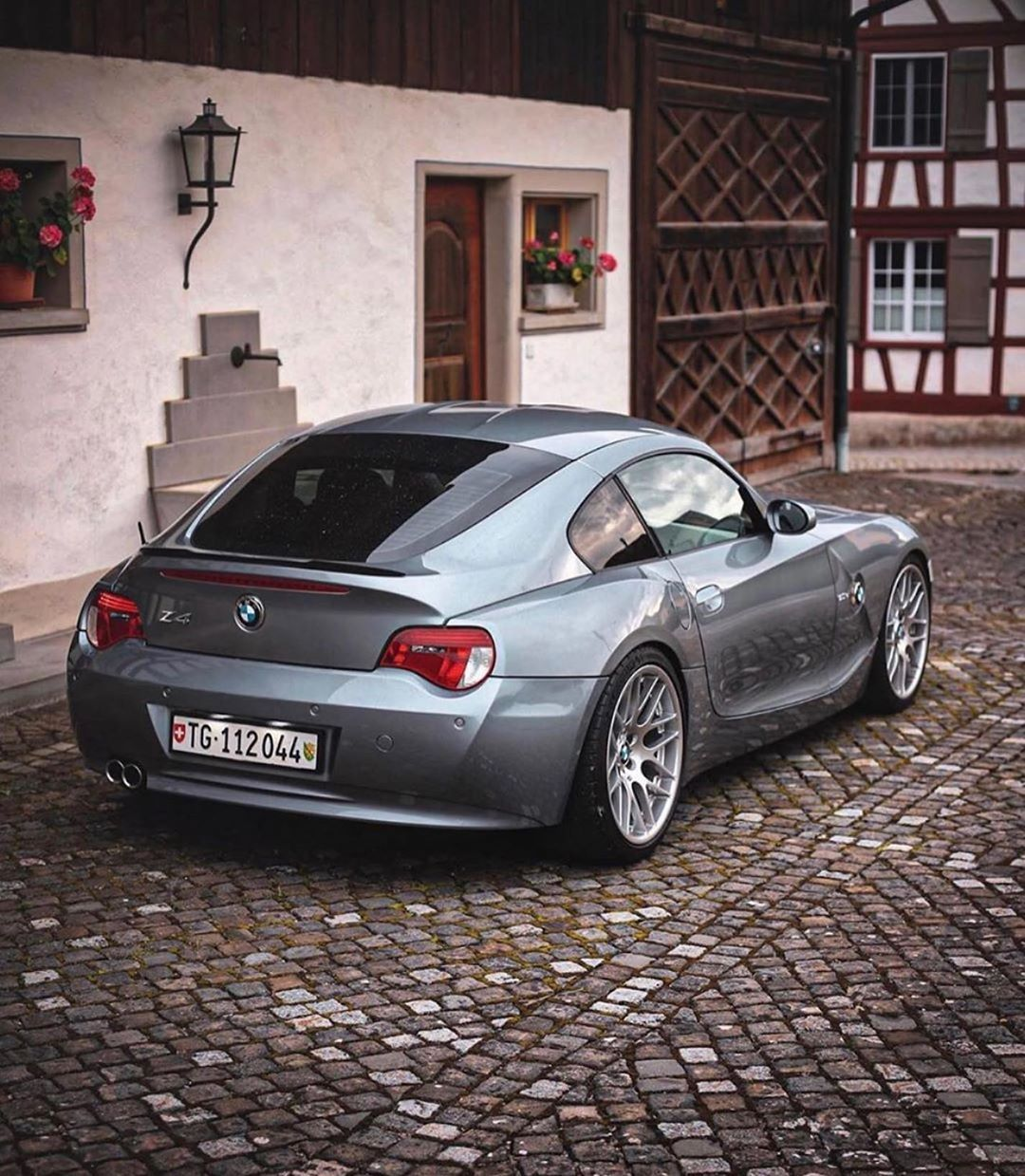 Pin By Cars Zone On Bmw In 2020 Bmw Bmw Z4 Coupe Bmw Coupe