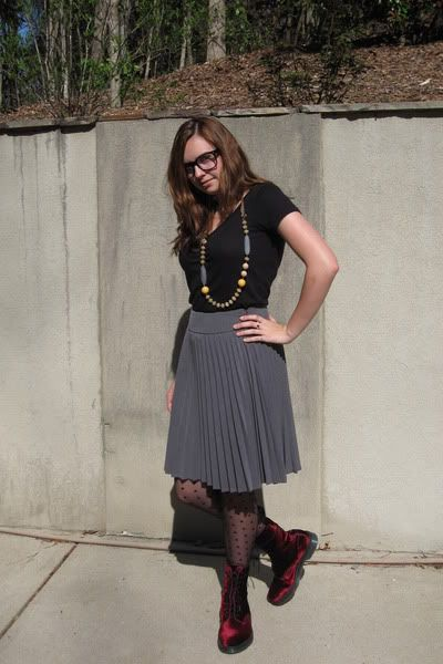 Very Office-appropriate Outfit Jazzed Up With Polka Dot