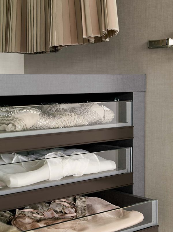 A place for everything and everything in its right place! [Guardaroba / Wardrobe 16:32 by Flou] #Arredamento #Design #Bedrooms #bedroom #Armadio #HomeDecor #Furnishings #organize #closet #armario #Kleiderschrank #armoire #penderie #vestuario #guardarropa #Garderobe