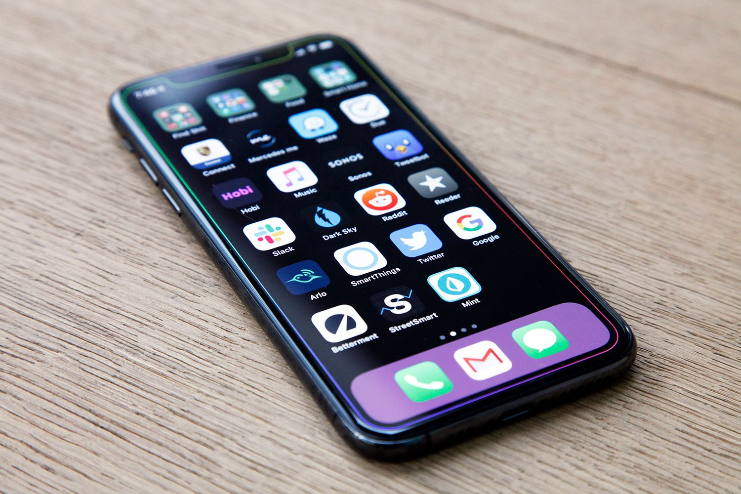 These Magic Wallpapers Give Your Iphone A Totally Different Look New Android Phones New Iphone Iphone 11
