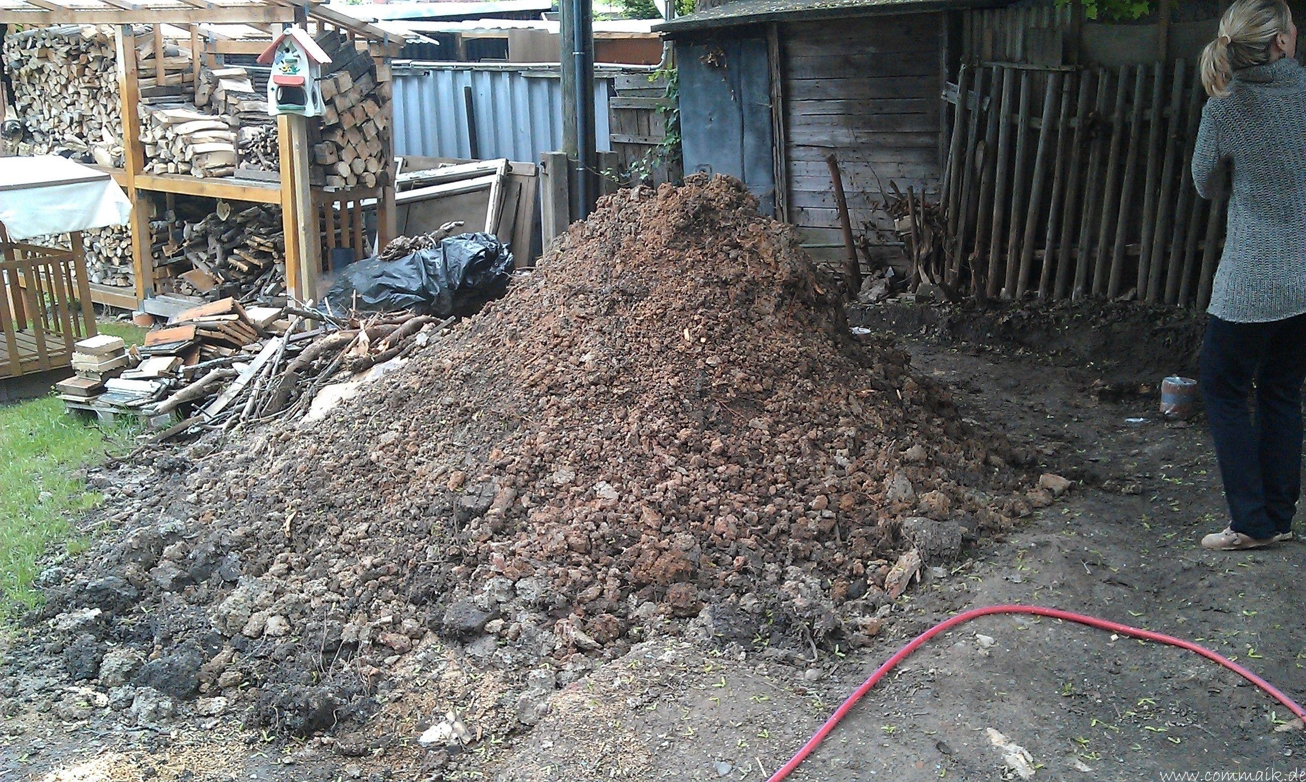Das zweite Brennholzregal entsteht Brennholzregal, Regal