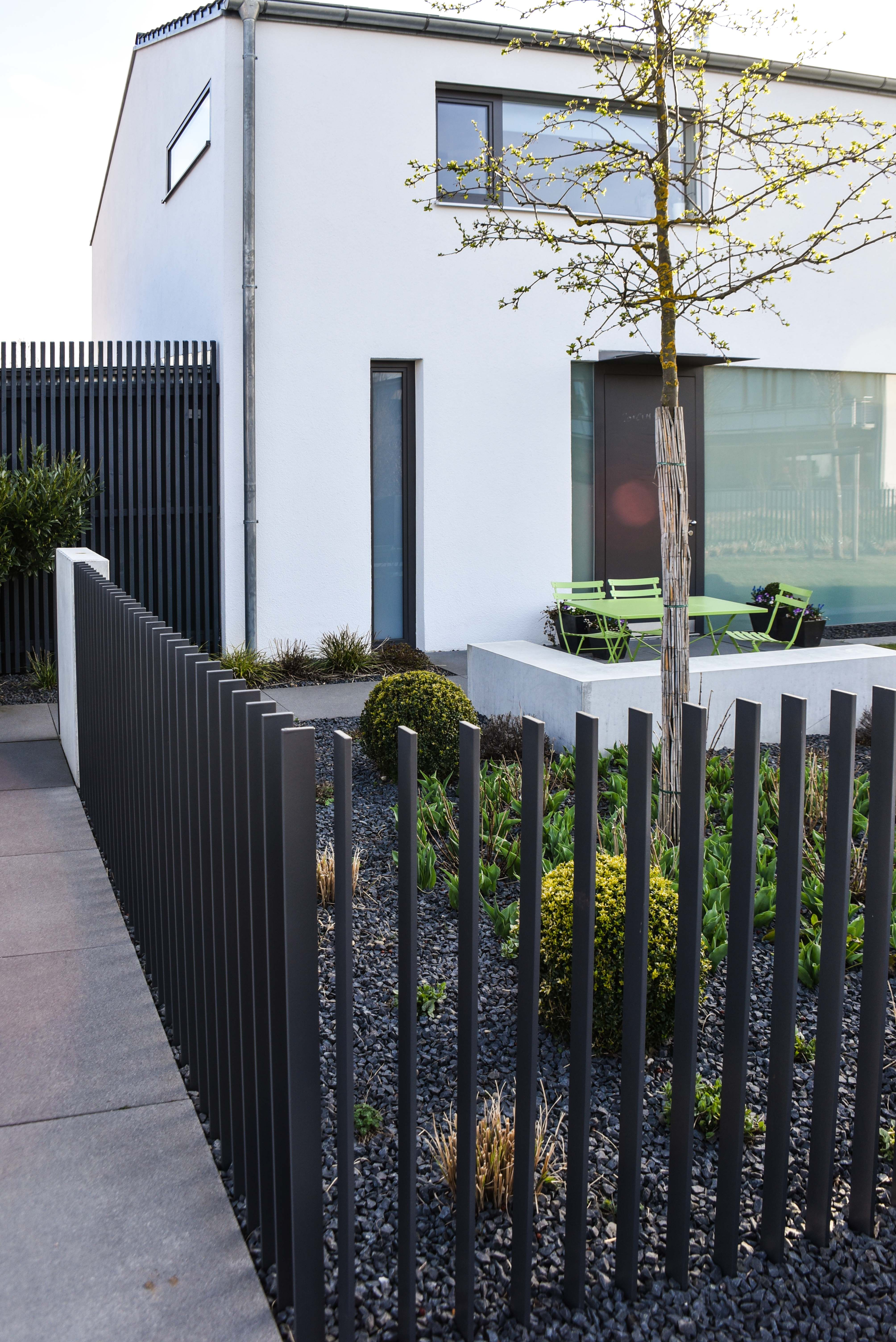 Zaun Holz Modern Sichtschutz Zaun Holz Anthrazit Metall Larche