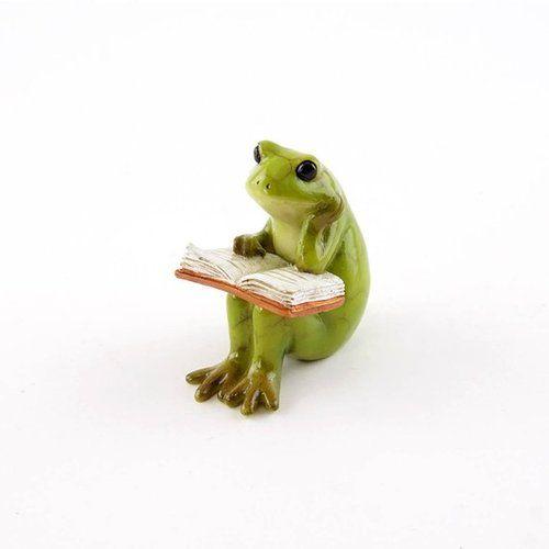 Little Frog Reading