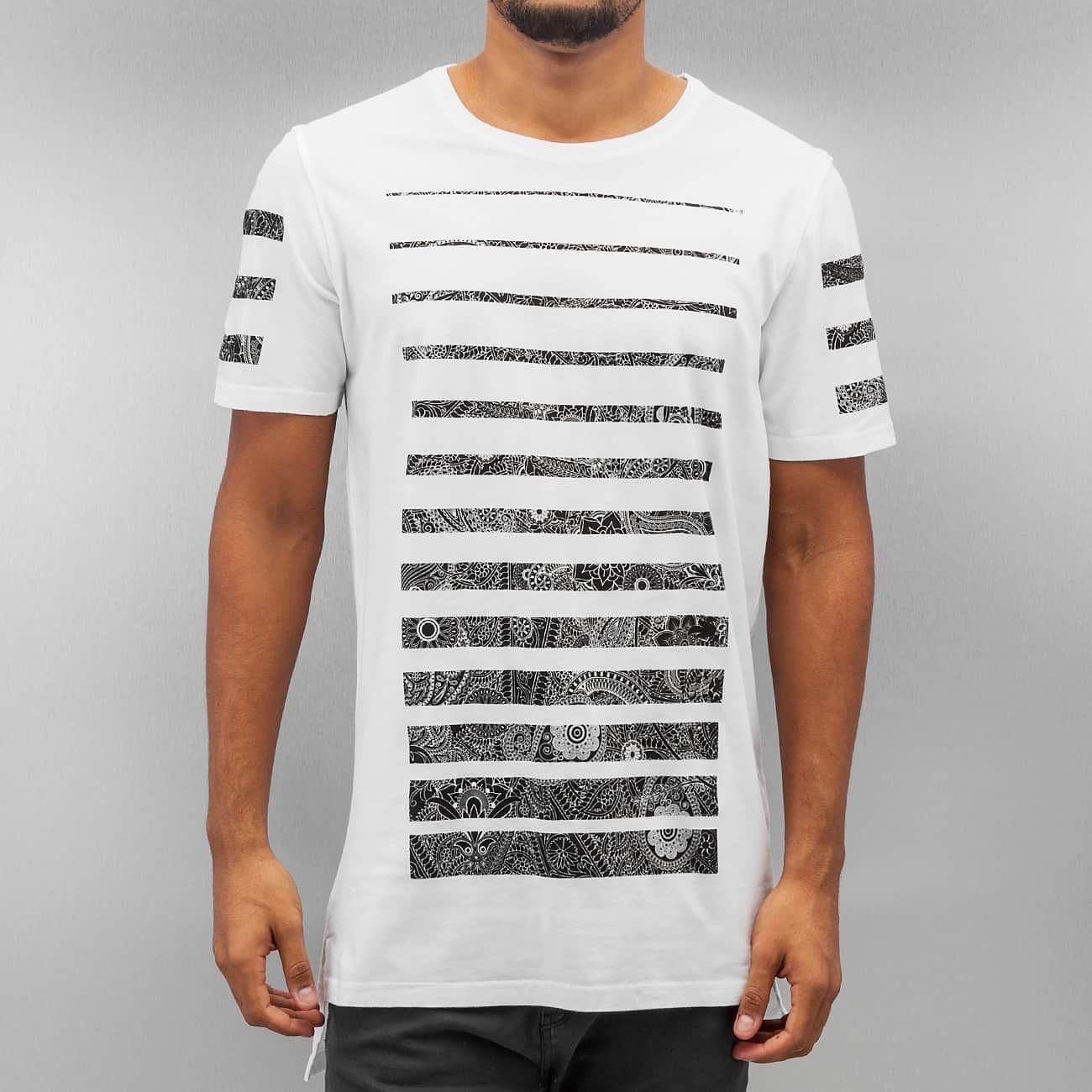 https://www.def-shop.com/black-kaviar-garford-t-shirt-white.html