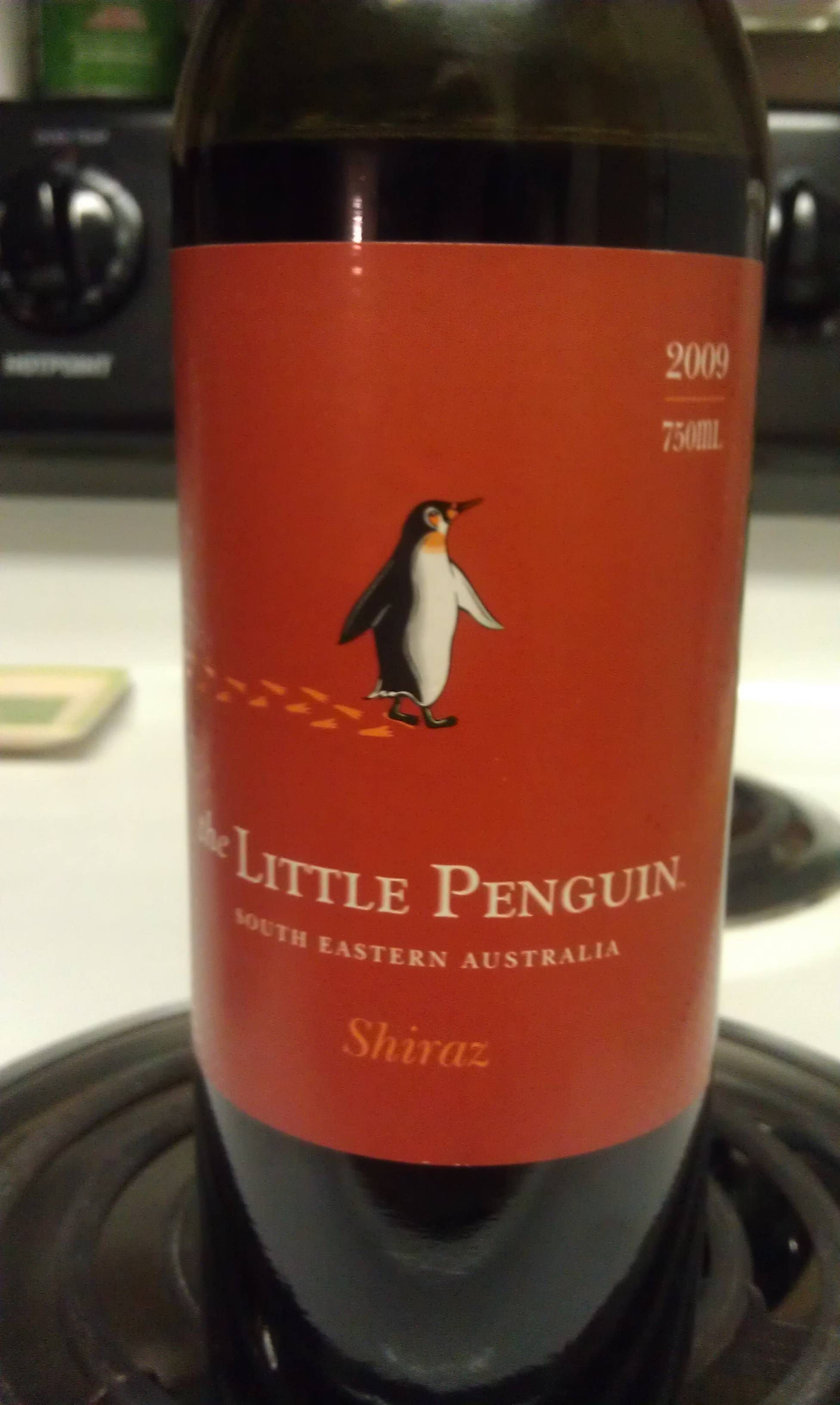 Little Penguin Shiraz Pd I M Such A Sucker For Anything With Penguins On It Lol Vino