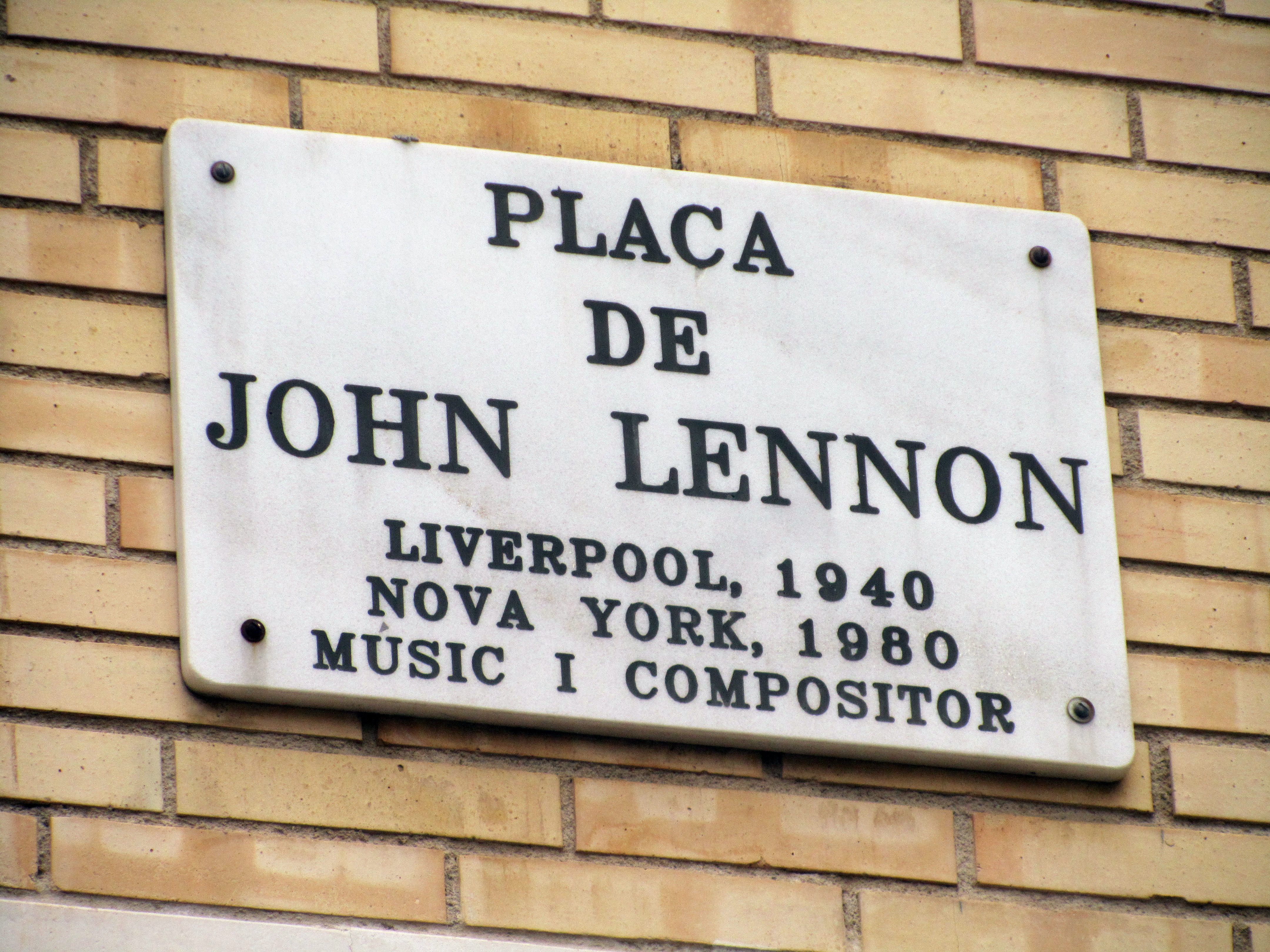 Plaça de John Lennon