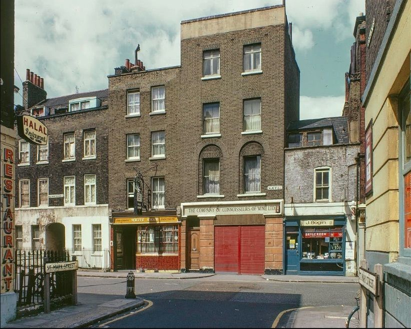 Spectacular Photos Of London S Lost East End In Kodachrome Flashbak Historical London East End London London Street Photography