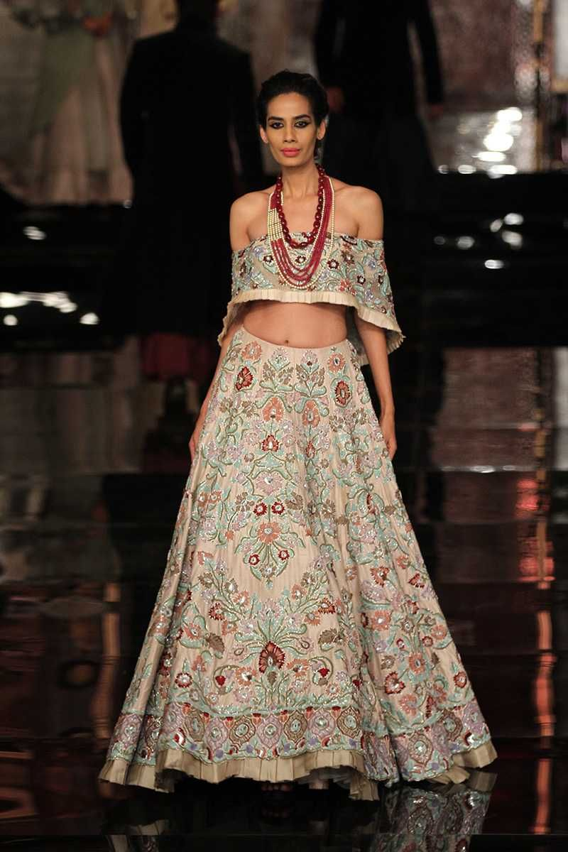 By Designer Manish Malhotra Bridelan Personal Shopper Style Consultants For Indian Nri Weddings Website W Indian Fashion Trends Couture Week Asian Fashion