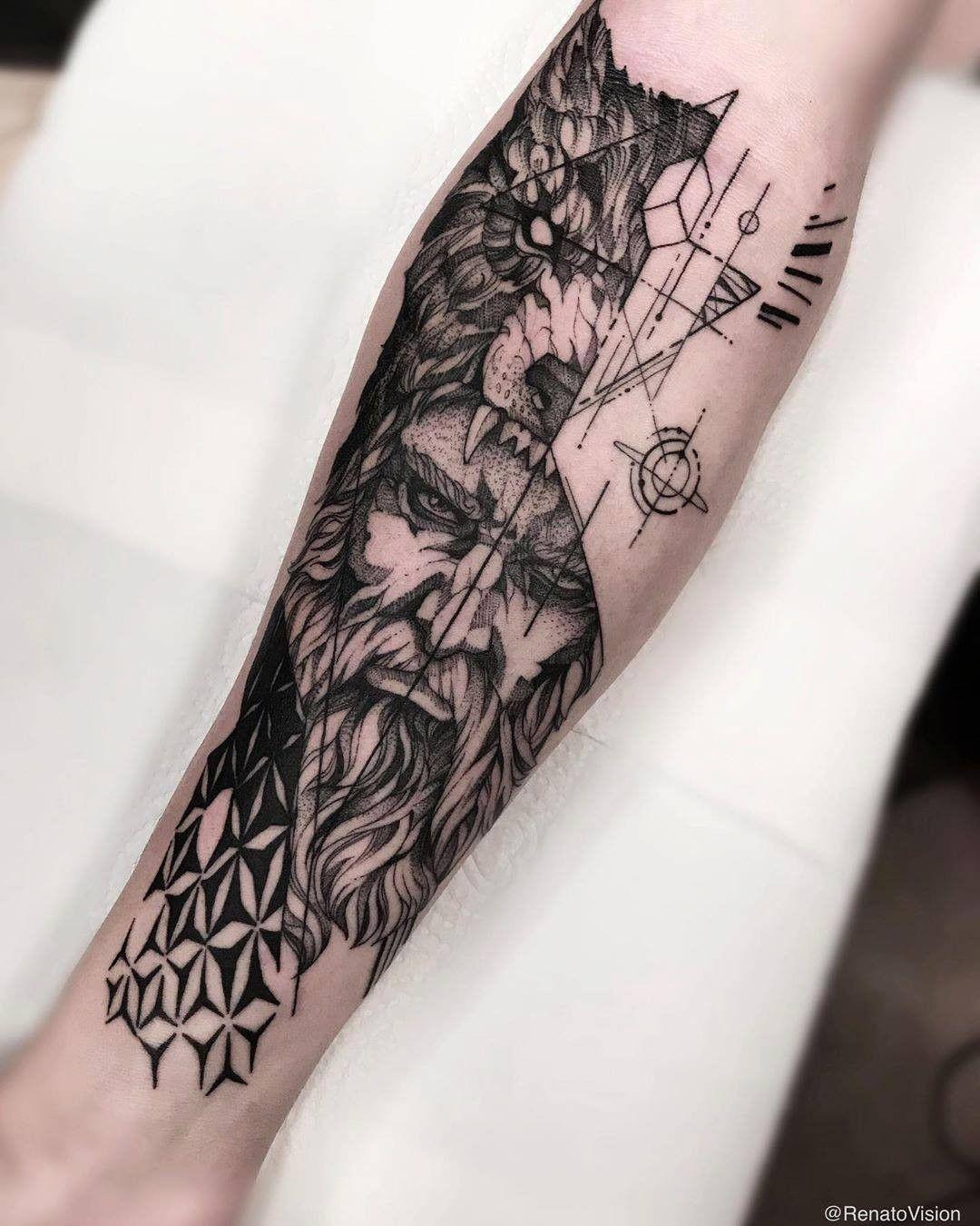"""TATTOO E ARTE on Instagram: """"Velho sábio em Blackwork!  Curtiu? Salve a foto na sua bandeirinha! 😍  Arte: @renatovision  #wolf #wolftattoo #abstracttattoo #tattoo2me…"""""""