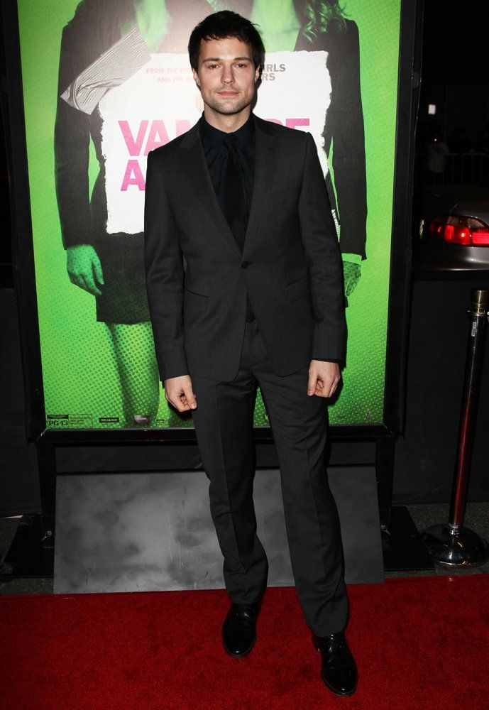 Black attire affair. Danila at the premiere of Vampire Academy