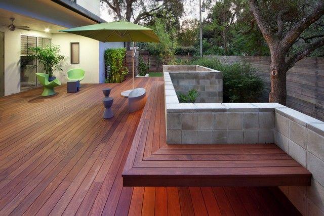 Terrasse anlegen Ideen Sitzbank modern gemütlich Beton Paravent ...