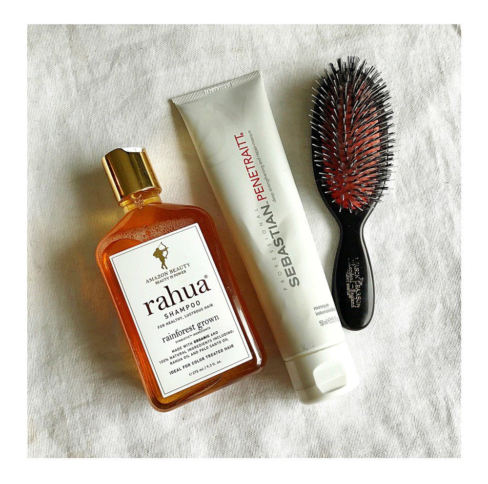 Going blonde is extreme and keeping your hair in a good condition afterwards is even more difficult, not to mention stress can cause a lot of damage. My trusted companions include both, shampoo and conditioner from RAHUA, which are completely natural, and hair masks which I use every se