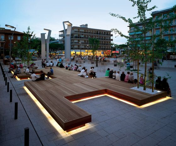 Exterior benches | Street furniture | Harris | Metalco | Sjit. Check it out on Architonic