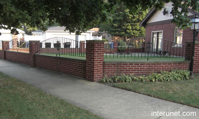Brick iron fence google search back yard ideas for Brick and wrought iron fence