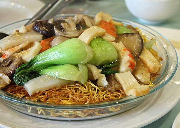 Authentic asian recipes house special chow mein recipe easy authentic asian recipes house special chow mein recipe forumfinder Choice Image